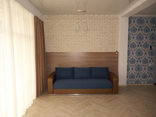 Однокомнатные апартаменты с кухней и балконом